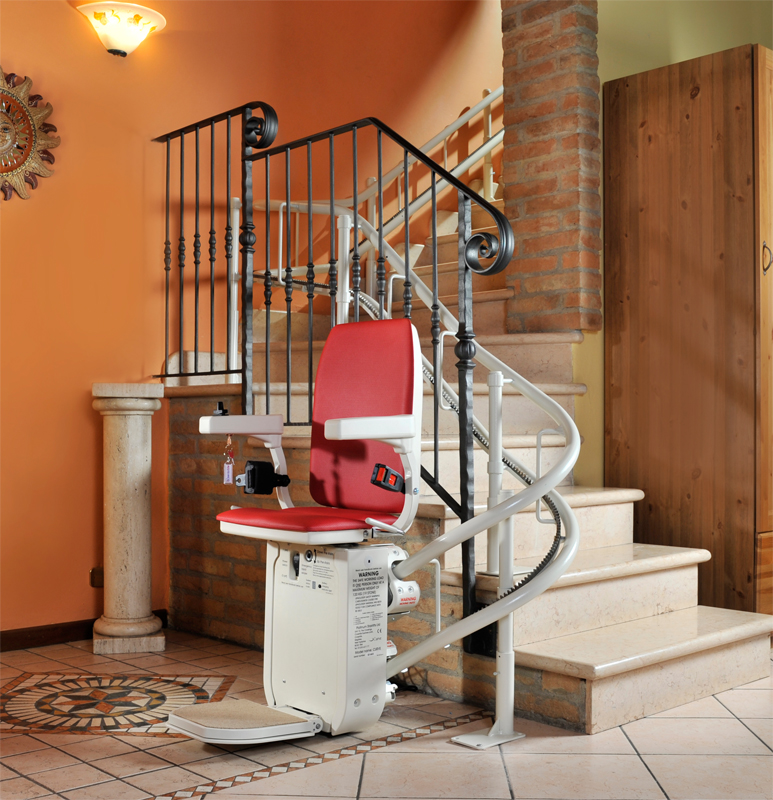 Nice AmeriGlide Platinum Curved Stair Lift HD